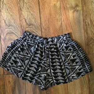 Mossimo shorts with pockets